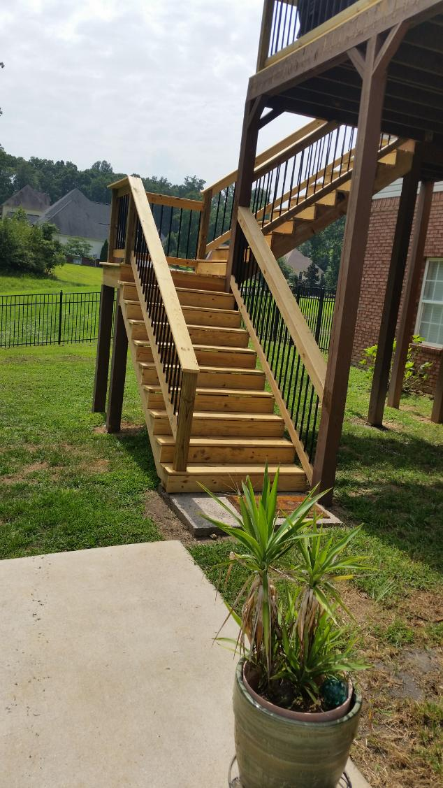 Two story Soddy Daisy Deck